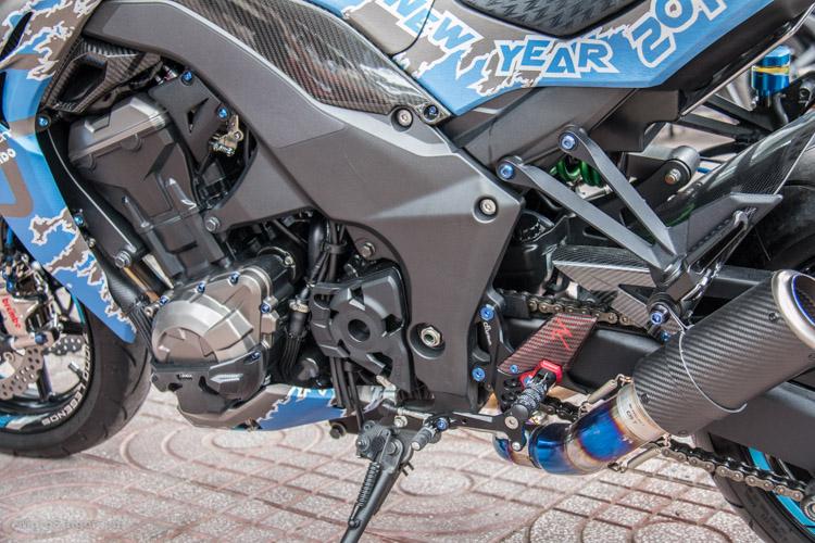 z1000-xanh-nhom-xuoc-do-choi-khung-motosaigon-11