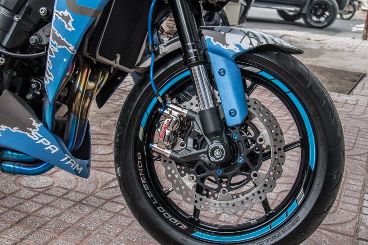 z1000-xanh-nhom-xuoc-do-choi-khung-motosaigon-4