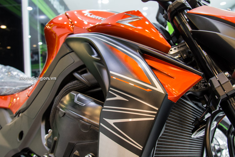 danh-gia-xe-z1000-2017-hinh-anh-thong-so-motosaigon-17