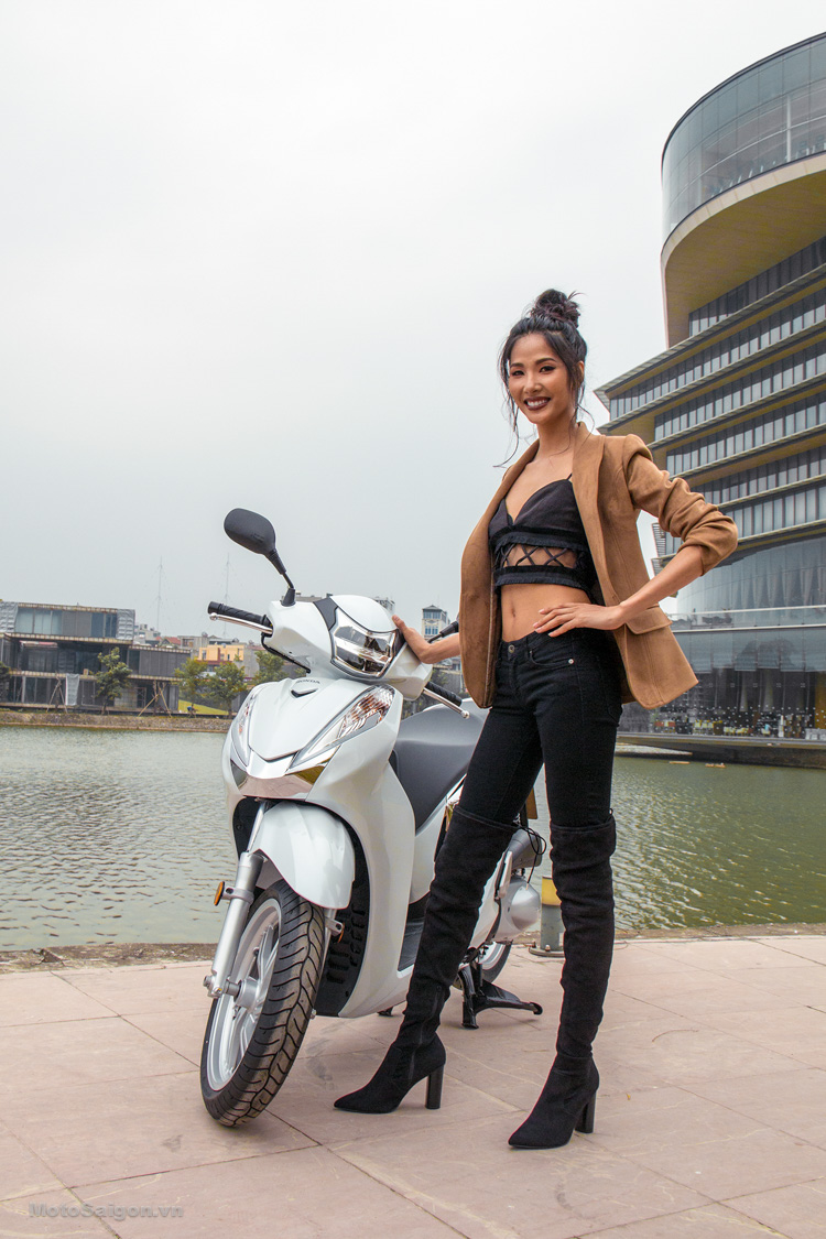 hinh-anh-sh300i-2016-gia-ban-phan-anh-hoang-thuy-motosaigon-10