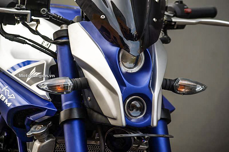 Ngắm Yamaha MT-03 độ đầu đèn & bánh lớn cực chất của biker nước ngoài-4