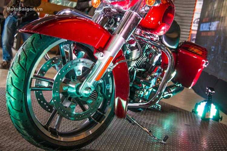 danh-gia-xe-harley-davidson-street-gilde-2017-motosaigon-33