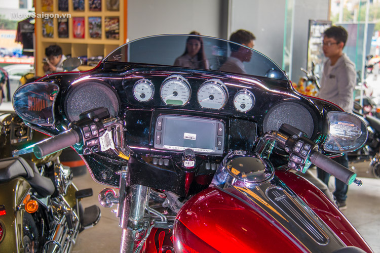 danh-gia-xe-harley-davidson-street-gilde-2017-motosaigon-37