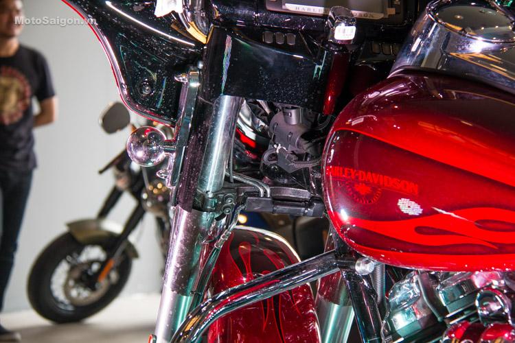 danh-gia-xe-harley-davidson-street-gilde-2017-motosaigon-39