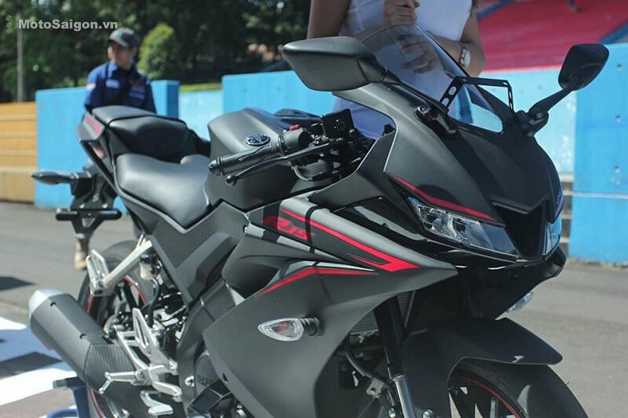 danh-gia-xe-yamaha-r15-v3-2017-hinh-anh-motosaigon-13