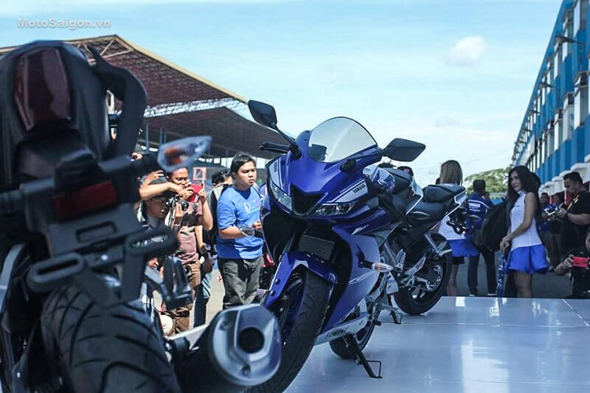 danh-gia-xe-yamaha-r15-v3-2017-hinh-anh-motosaigon-17