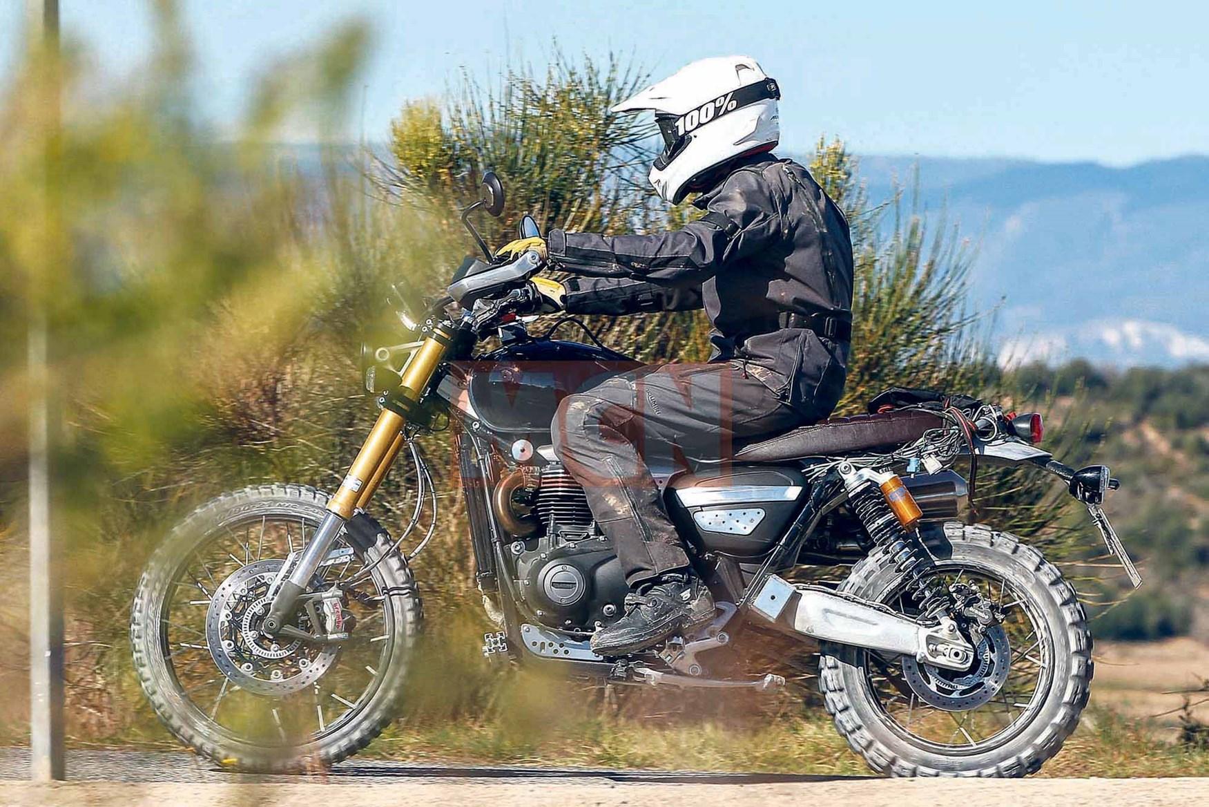Lộ ảnh Triumph Scrambler mới 900cc 1200cc trên đường chạy thử - 1